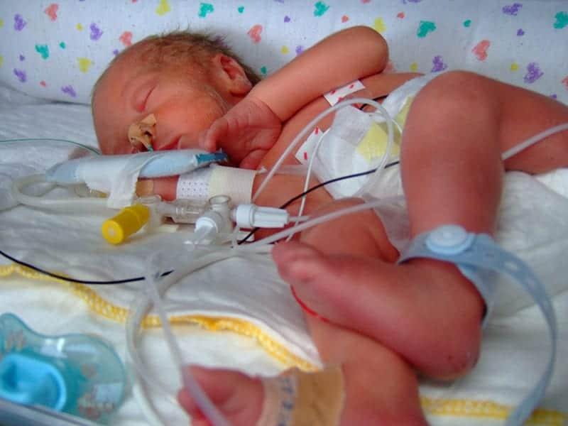 Hoe je zelf mooie foto's maakt van je baby in het ziekenhuis